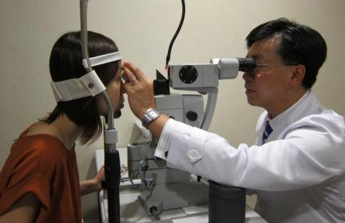 视网膜脱落怎么治疗?