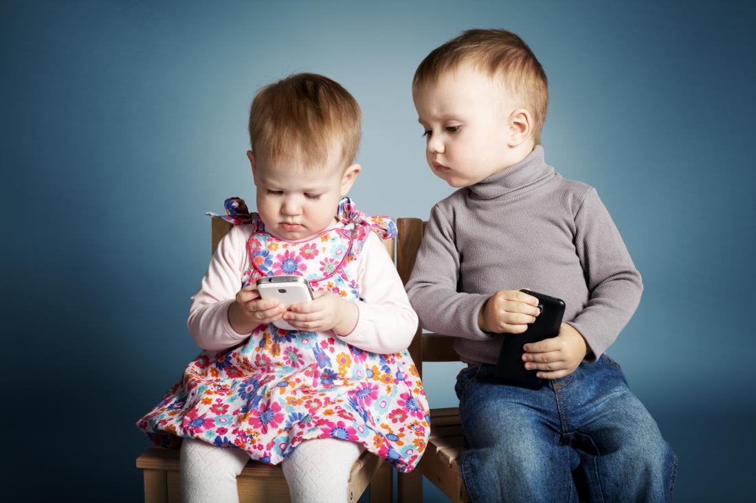 小儿过早的接触电子产品 导致近视